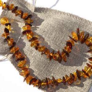 Ogrlica iz jantarja za otroke Cognac and honey