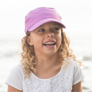 UV otroška kapa s pregibom Sunday Afternoons – Wild Berry